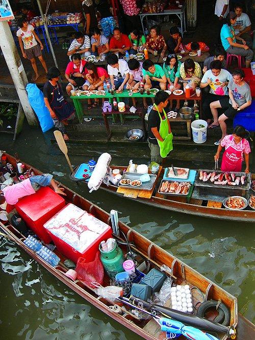ตลาดน้ำอัมพวา จังหวัดสมุทรสงคราม