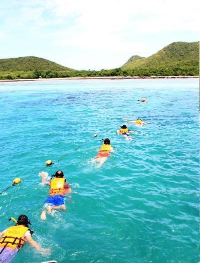หาที่พักติดทะเล ตกหมึก ตกปลา ดำน้ำดูปะการัง ทริปนี้ ภูสิงห์ แค้มป์ แสมสาร จัดให้!!!