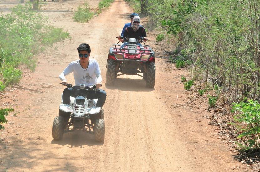 ผจญภัยกับการขับรถ ATV