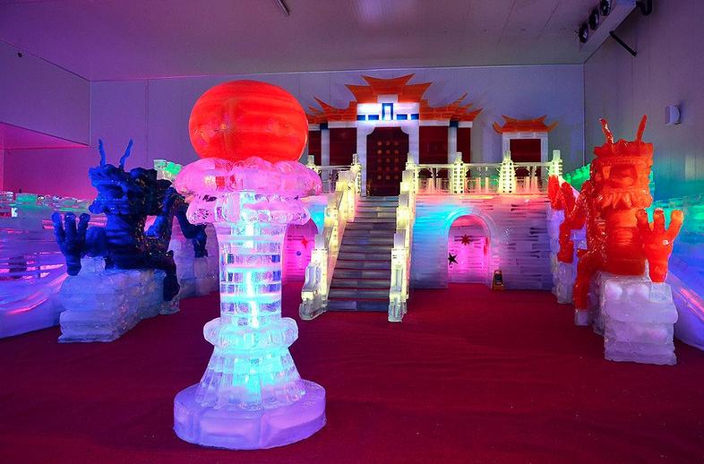 เที่ยวชมประติมากรรมน้ำแข็ง ณ หาดใหญ่ไอซ์โดม (Hatyai Ice Dome) จังหวัดสงขลา