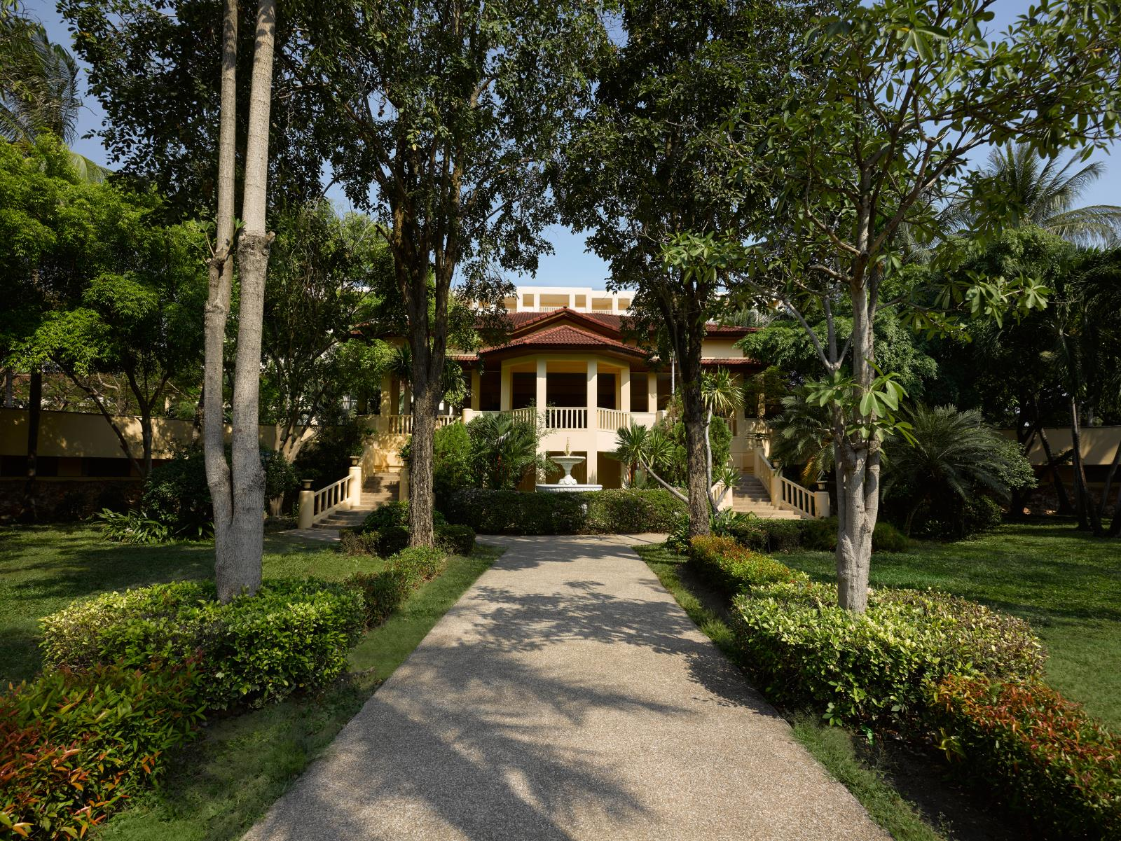 โรงแรมดุสิตธานี หัวหิน (Dusit Thani Hua Hin)