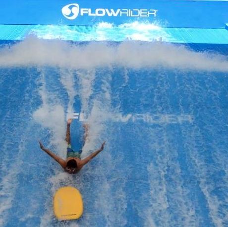 """""""เซิร์ฟ!"""" กับ Double Flow Rider"""