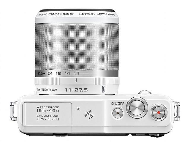 Nikon 1 AW1 กล้อง mirrorless กันน้ำได้ รุ่นแรกของโลก
