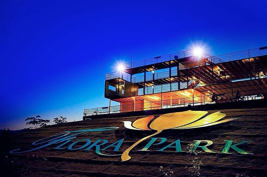 งานฟลอร่า พาร์ค (Flora Park) ดอกไม้บาน 1 พฤศจิกายน 2556 - 30 มีนาคม 2557 ณ จังหวัดนครราชสีมา