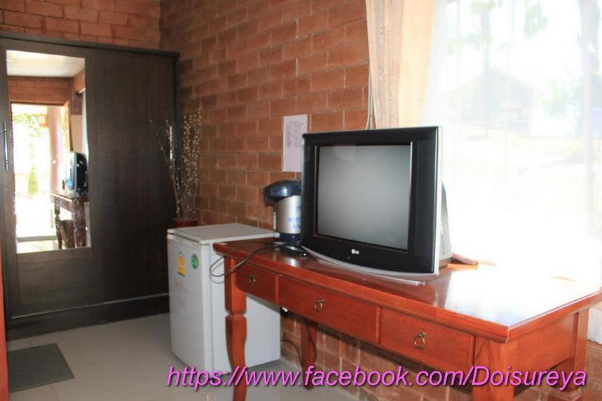 มีทีวี กระติกน้ำร้อน ตู้เย็น ตู้เสื้อผ้า หรูสุดในบ้านพักทั้งหมดของดอยชัวร์ญ่า