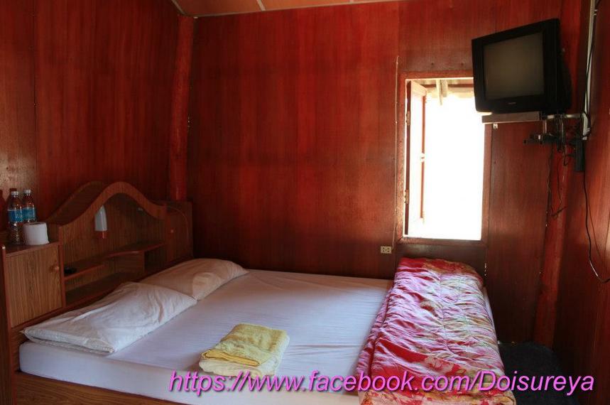 เตียงเดี่ยว 1 เตียง มีทีวี ห้องน้ำในตัว