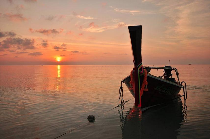 (ทริป 3 วัน 2 คืน) เที่ยวทะเลตรัง ถ้ำมรกต เกาะกระดาน เกาะมุกด์ ดำน้ำดูปะการัง ดูปลาดาว ตกหมึก ตกปลา ณ จังหวัดตรัง