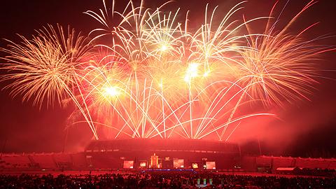 เชียงใหม่เคาท์ดาวน์ 2558 (Chiangmai Countdown Festival 2015) วันที่ 25-31 ธันวาคม 2557 ข่วงประตูท่าแพ จังหวัดเชียงใหม่