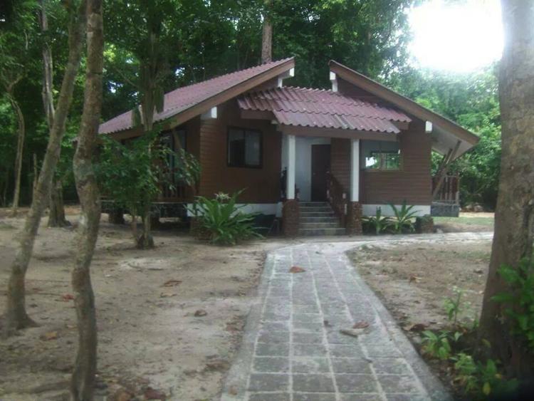 บ้านพักอุทยานเกาะรอก ใหญ่ สบาย