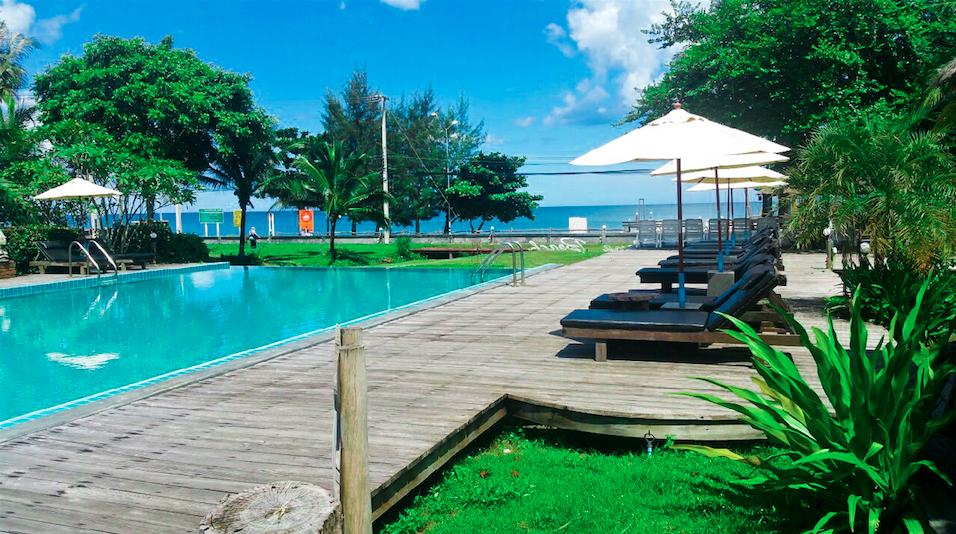 นานาบีช รีสอร์ท (Nana Beach Resort) ที่พักบนชายหาด ใกล้หาดทุ่งวัวแล่น จังหวัดชุมพร