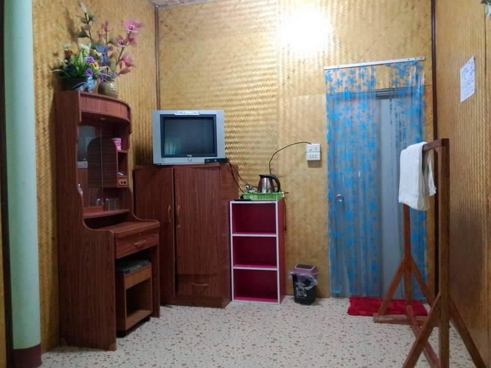 พลอย & แพรว บ้านพักแม่กลางหลวง ดอยอินทนนท์ จังหวัดเชียงใหม่