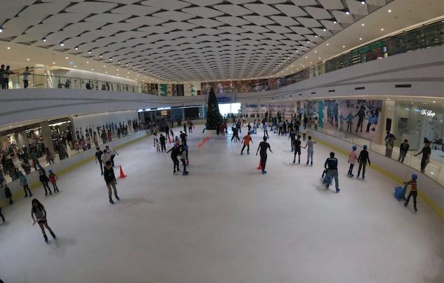 The Rink Ice Skate @ ฟิวเจอร์พาร์ค รังสิต ลานสเก็ตน้ำแข็ง