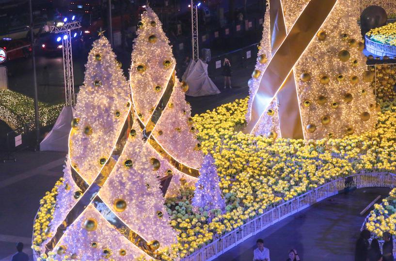เที่ยวปีใหม่ 2560 ชมไฟคริสต์มาส ณ เซ็นทรัลเวิลด์ กรุงเทพฯ