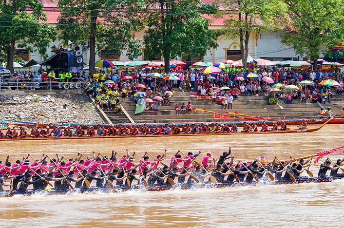 งานประเพณีแข่งขันเรือยาวจังหวัดพิจิตร 2-3 กันยายน 2560 ณ ลำน้ำน่าน จังหวัดพิจิตร
