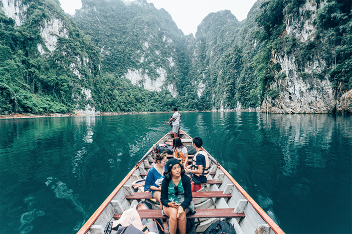 ล่องเรือชมทะเลสาบเชี่ยวหลาน