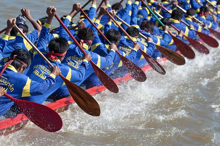 งานประเพณีแข่งขันเรือยาวชิงถ้วยพระราชทานฯ จังหวัดสุรินทร์ 7-8 ตุลาคม 2560 ณ ลำน้ำมูล จังหวัดสุรินทร์
