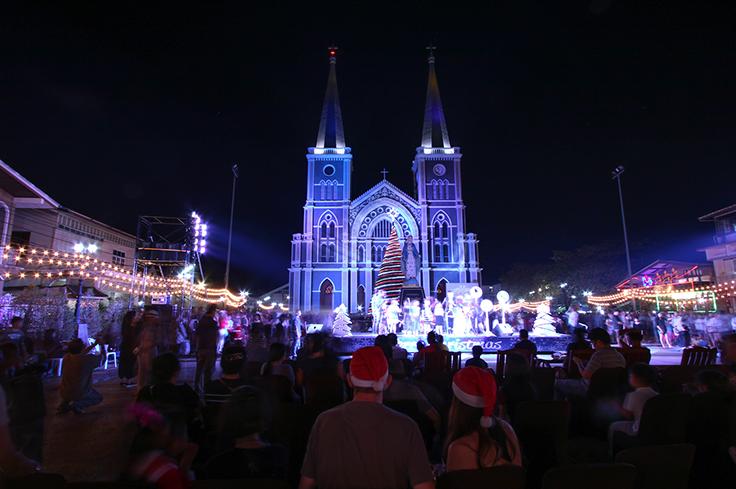 """เที่ยวเทศกาลคริสต์มาส """"Chanthaburi Miracle Christmas 2017"""" มหัศจรรย์แห่งพระคริสตสมภพ 23-24 ธันวาคม 2560 ณ อาสนวิหารพระนางมารีอาปฏิสนธินิรมลจันทบุรี"""