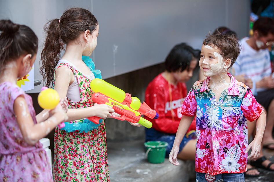 งานปี๋ใหม่เมือง ดอกเอื้องงาม (Songkran Festival a Romantic Touch of Orchids) 12-16 เมษายน 2561 ณ อุทยานหลวงราชพฤกษ์ จังหวัดเชียงใหม่