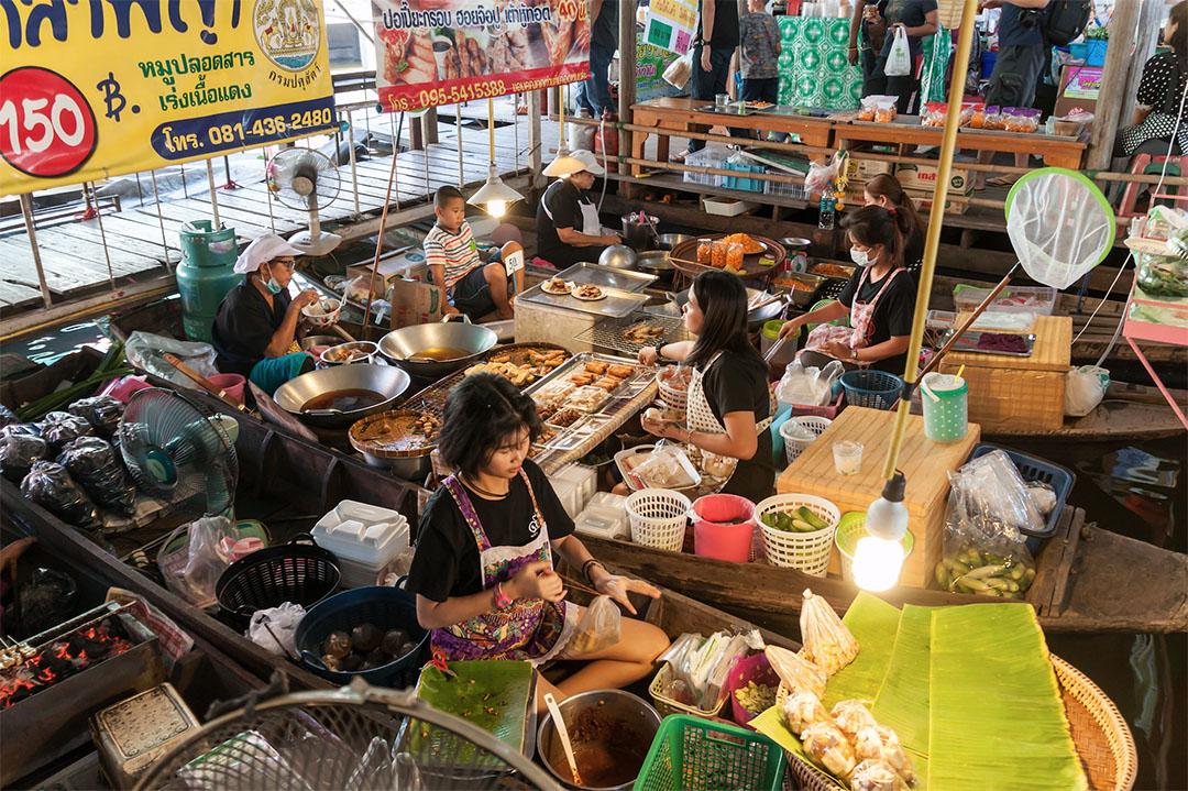 เที่ยวตลาดน้ำวัดลำพญา (Wat Lam Phaya Floating Market) จังหวัดนครปฐม