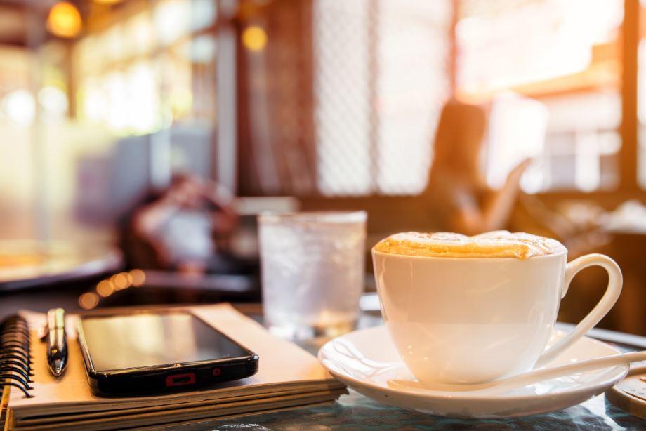 เที่ยวหัวหินเพลินๆ แวะจิบกาแฟทานของหวานชิวๆ ริมทะเลไปกับ 4 คาเฟ่และร้านอาหารสุดน่ารัก