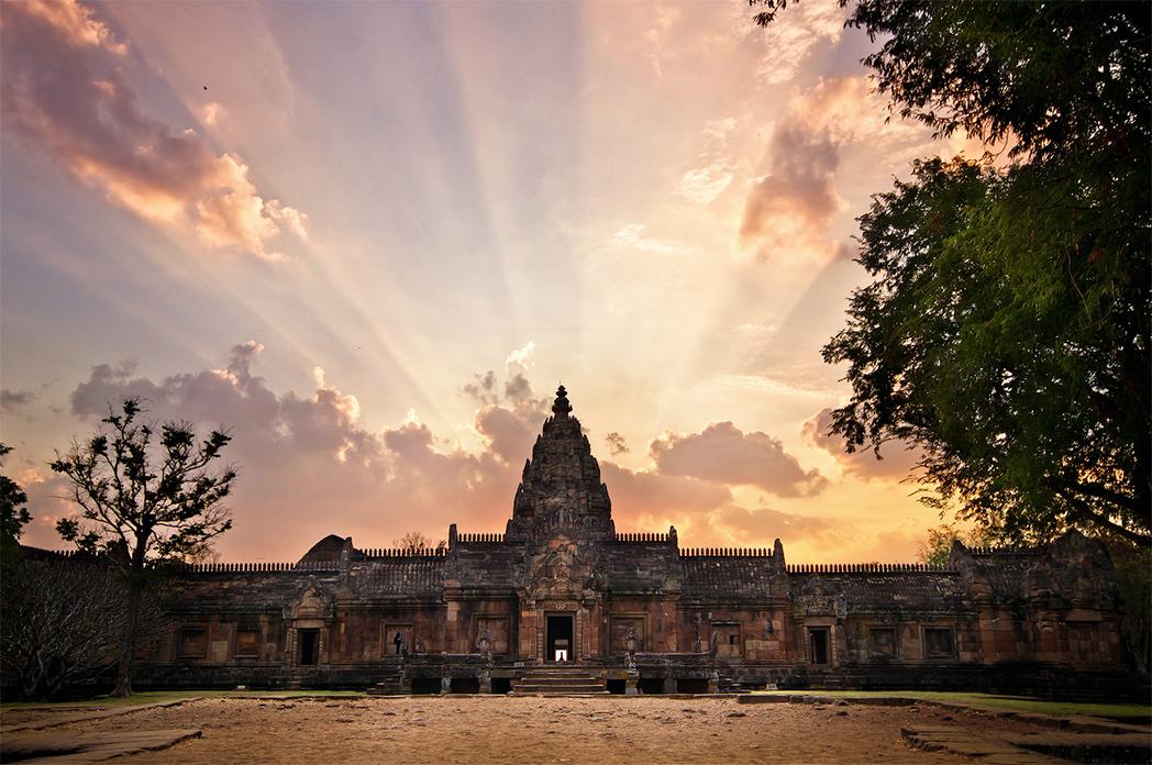 ชมพระอาทิตย์ลอด 15 ช่องประตูปราสาทพนมรุ้ง ปี 2563 จังหวัดบุรีรัมย์
